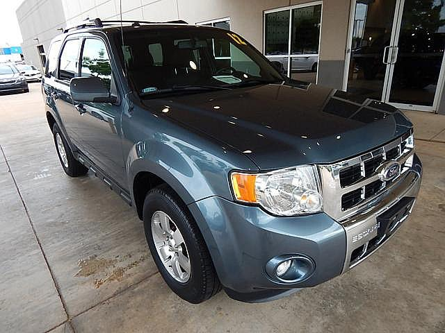 Pre-Owned 2012 Ford Escape Front Wheel Drive SUV