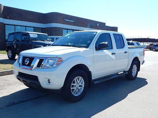 Pre-Owned 2018 Nissan Frontier SV V6 | BOB HOWARD DODGE 405-936-8900