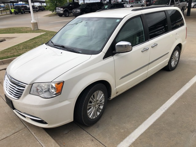 Used 2017 Chrysler Town Country Touring L
