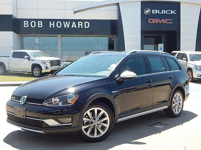Pre-Owned 2017 Volkswagen Golf Alltrack S AWD | BOB HOWARD BUICK GMC 405.936.8800 | LEATHER |