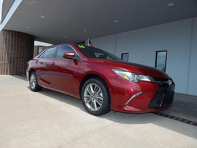 Pre-Owned 2016 Toyota Camry XSE | BOB HOWARD DODGE 405-936-8900 | ALLOYS | BLUE TOOTH | BACK UP CAMERA