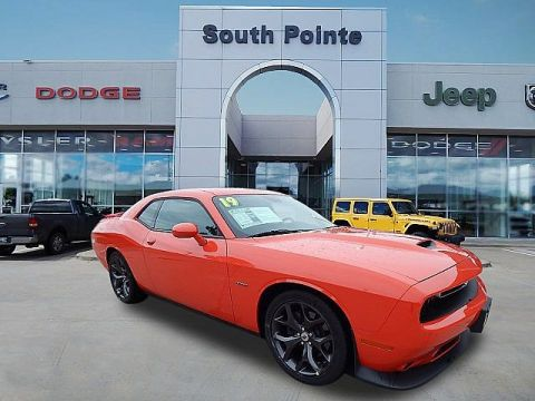Pre-Owned 2019 Dodge Challenger R/T | GO MANGO | HEMI | STAND OUT FROM THE CROWD | SOUTH POINTE CJD