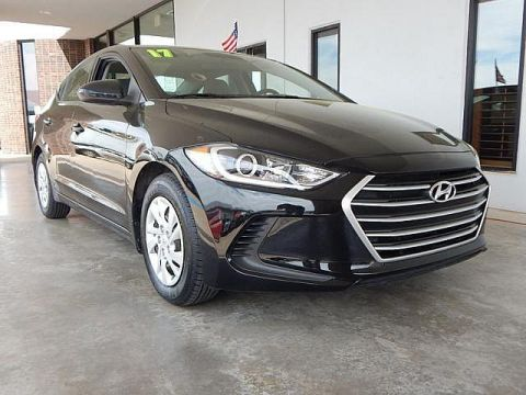 Pre-Owned 2017 Hyundai Elantra SE | BOB HOWARD DODGE 405-936-8900