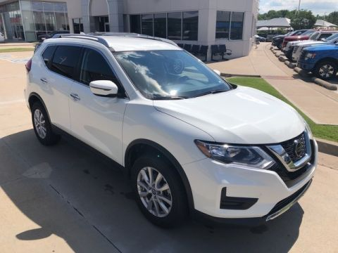 Pre-Owned 2018 Nissan Rogue SV | CLEAN CAR FAX | SOUTH POINTE CJD